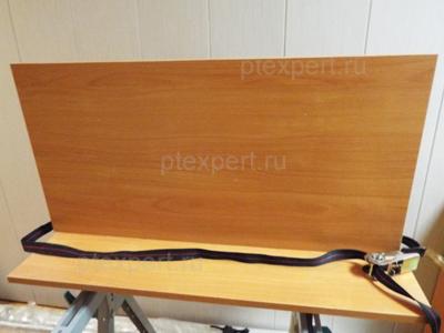 использование ремня в качестве приспособление для сборки мебели